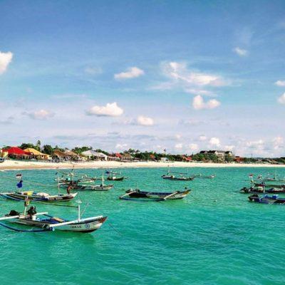rybářské lodě na Bali