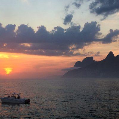 západ slunce v Rio de Janeira