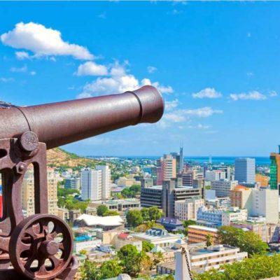 Výhledy z pevnosti na Port Louis