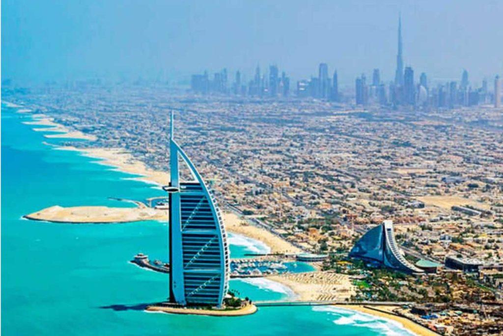 Hotel plachetnice v Dubaji