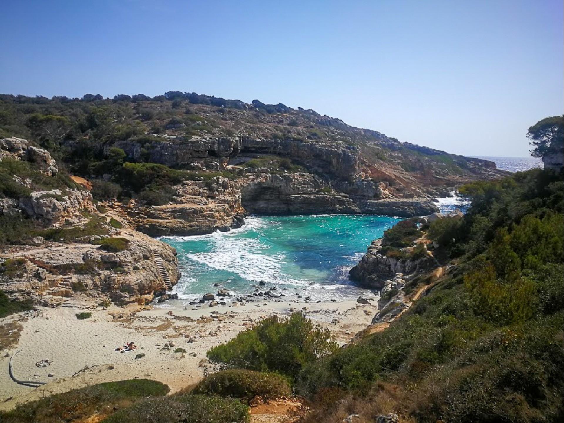 Skrytý záliv na Mallorce Cala Marmols