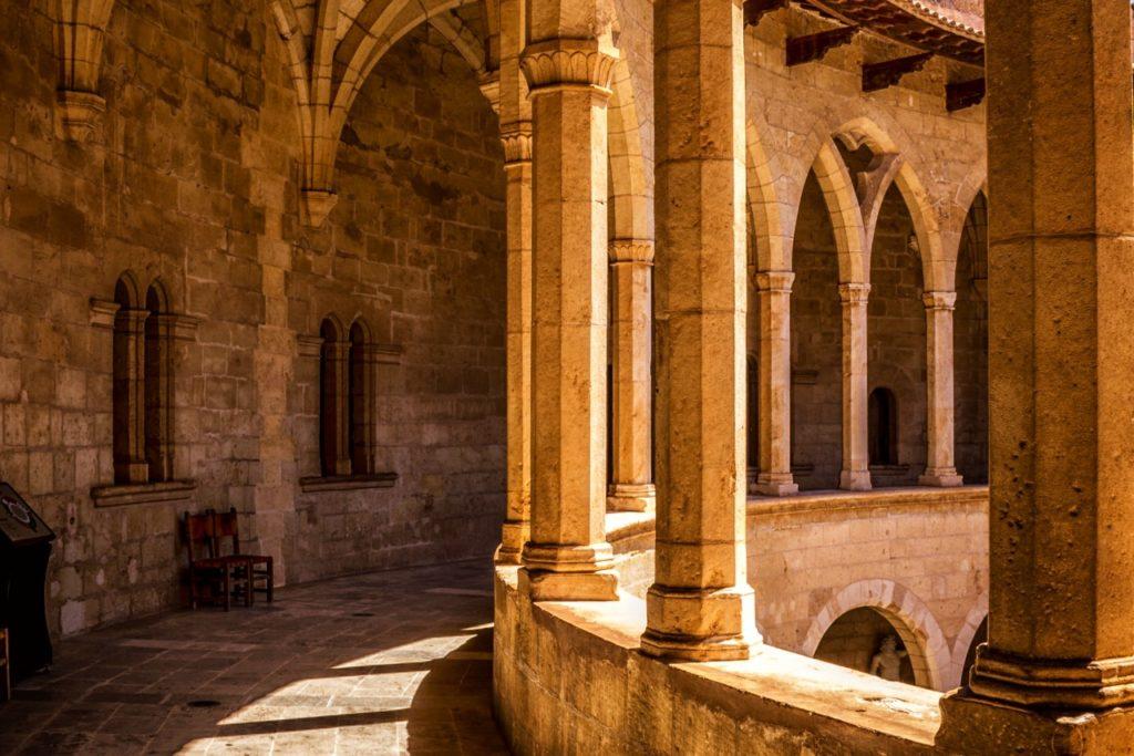 uvnitř hradu castell de Bellver