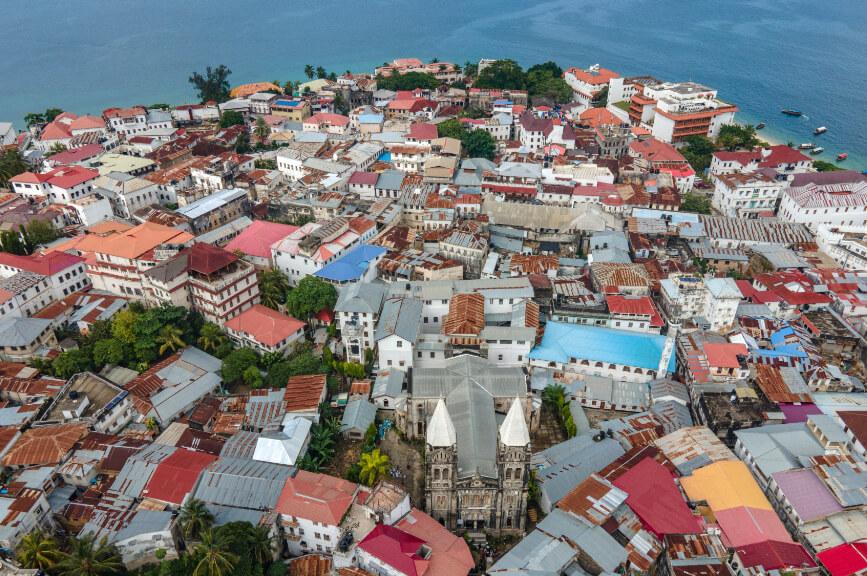 Výhled na Kamenné město na Zanzibaru