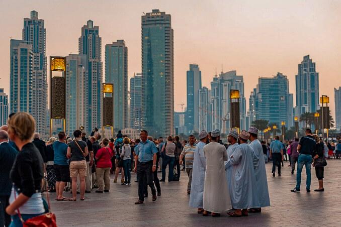 Místní Emirátčané v Dubaji