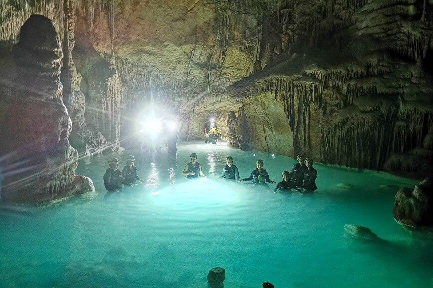 Mallorca návštěva mořské jeskyně