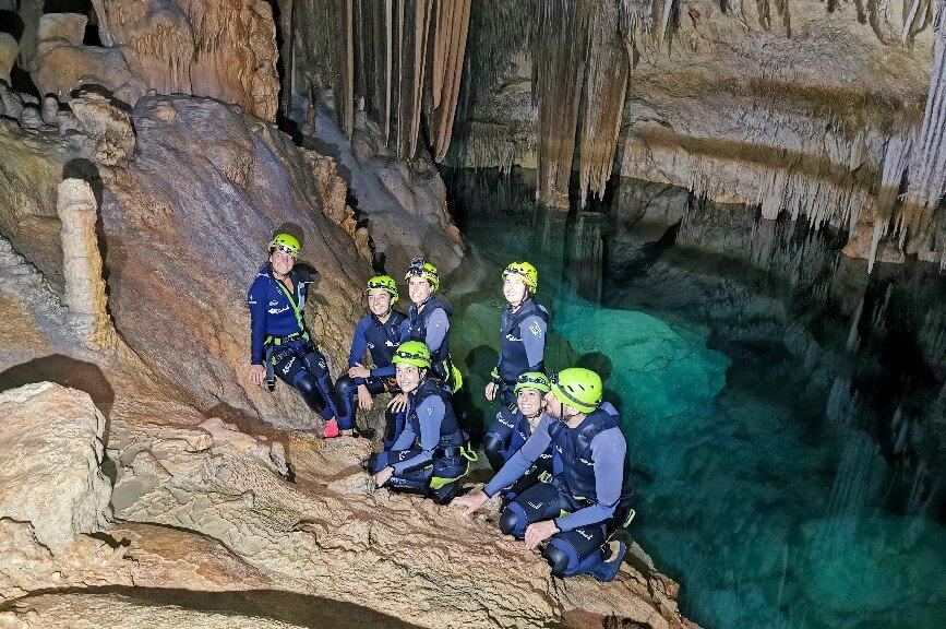 Výlet do mořské jeskyně na Mallorce